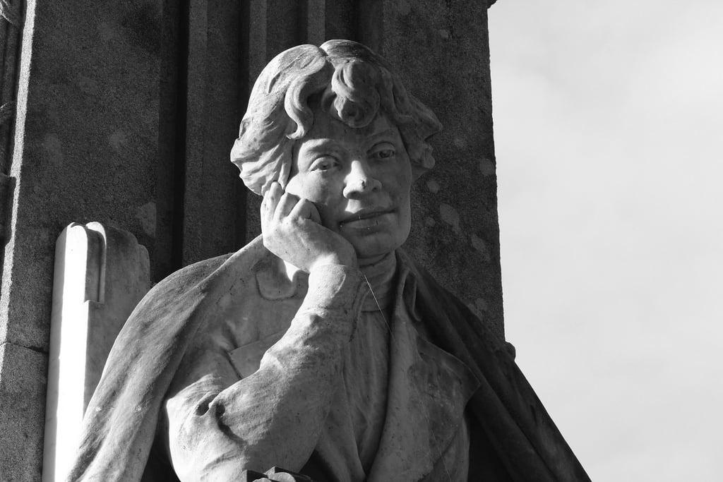 Image de Monumento a Rosalía de Castro.