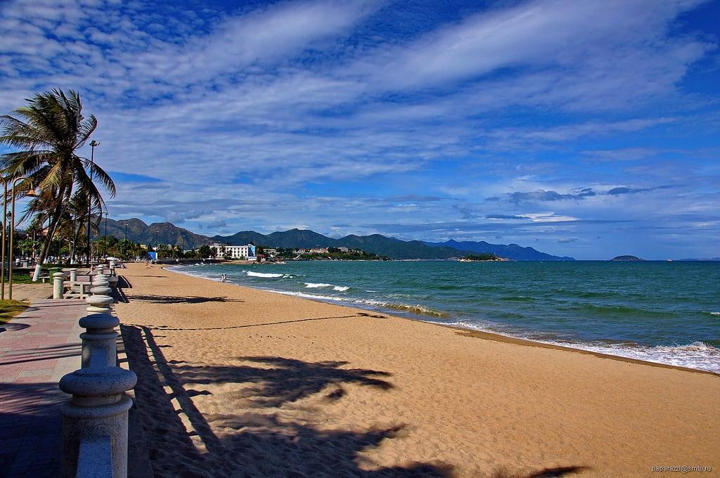 Obrázek Nha Trang. travel blue sea sky color beach water clouds landscape sand asia view vietnam nhatrang vn вьетнам кханьхоа нхатранг