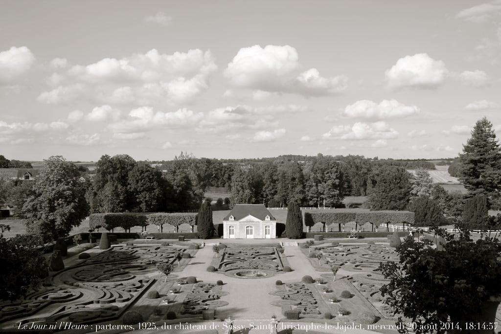 Bild von Château de Sassy. sassy normandie parc jardins pavillon orangerie orne bassenormandie pasquier parterres broderies renaudcamus saintchristophelejajolet châteaudesassy ducpasquier chancelierpasquier ducd'audiffretpasquier