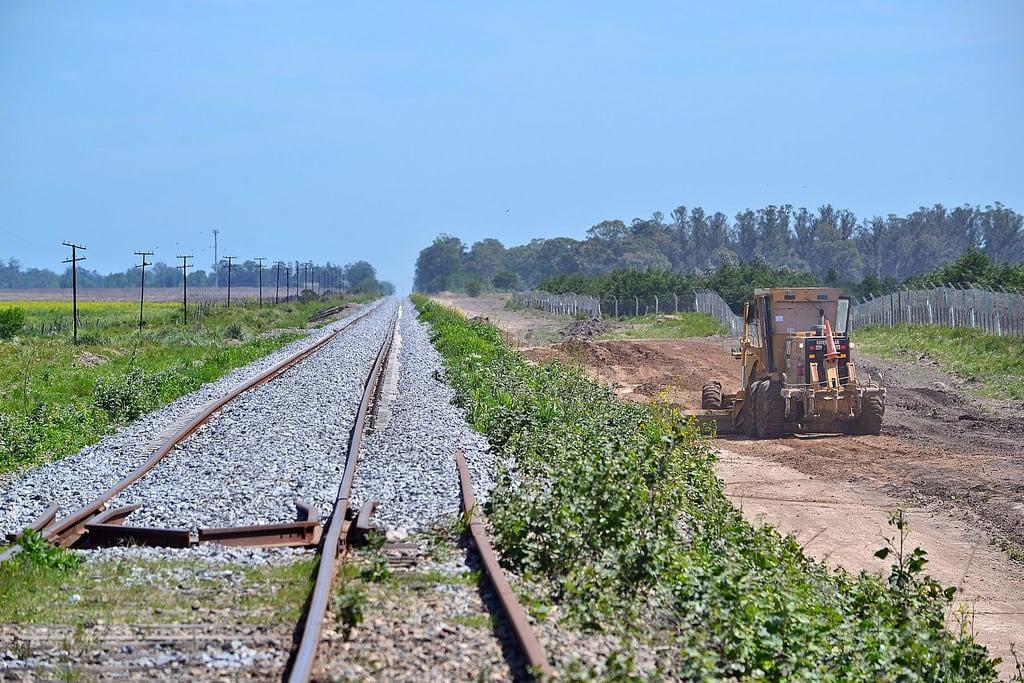 Image of Mar del Plata. railway works renovation obras vías renovación