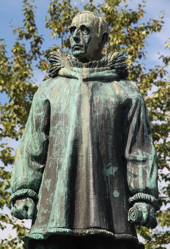 Image of Roald Amundsen. norway statue tromso roald amundsen