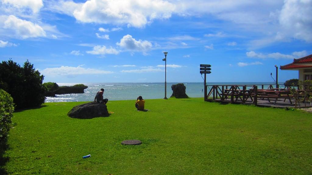 Hình ảnh của Sun Marina Beach. ocean china sea beach japan island asia pacific east caves 日本 okinawa 沖縄 toguchi