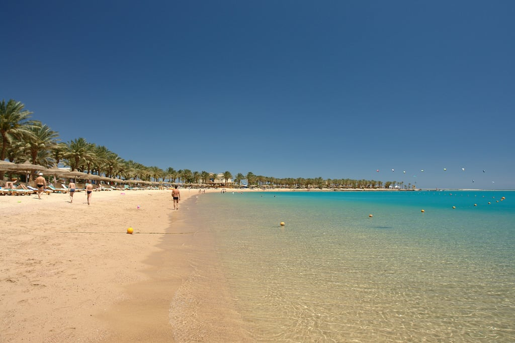 Image of Beach Bar Palm Royale Beach with a length of 428 meters.