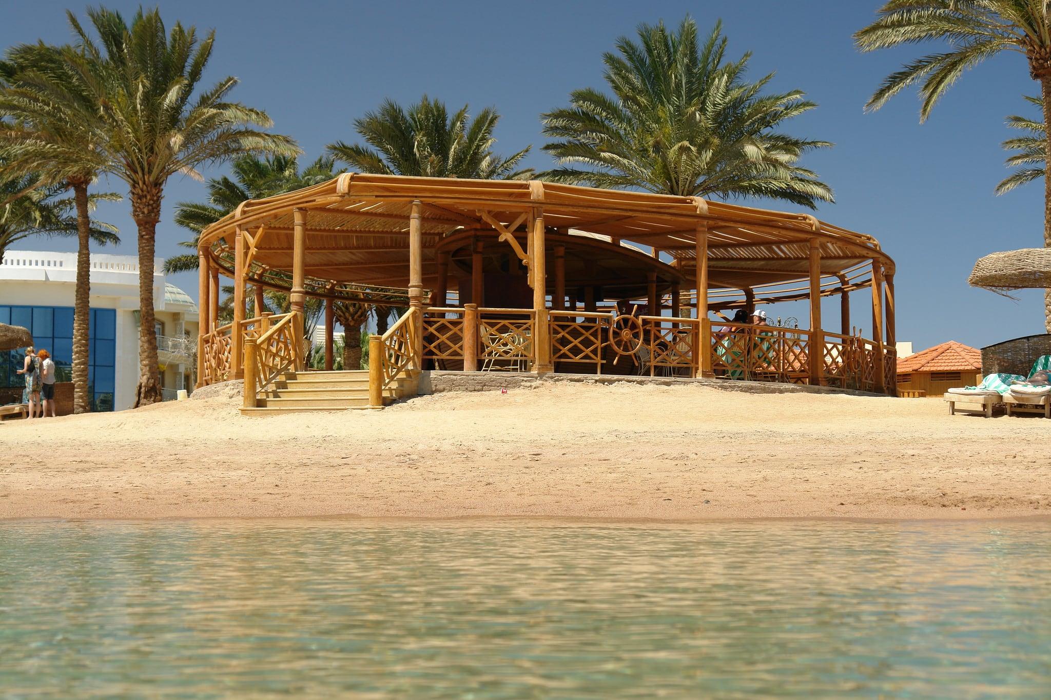 Kuva Beach Bar Palm Royale Ranta pituus 428 metriä lähellä Būr Safājah.