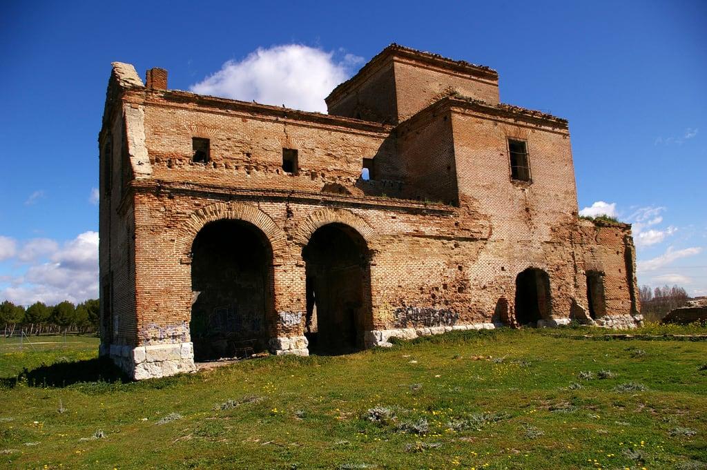 Iglesia de San Pedro 的形象. madrid ruinas sanpedro ermita leganes barroco polvoranca 2015 despoblado pavelcab pablocabezos