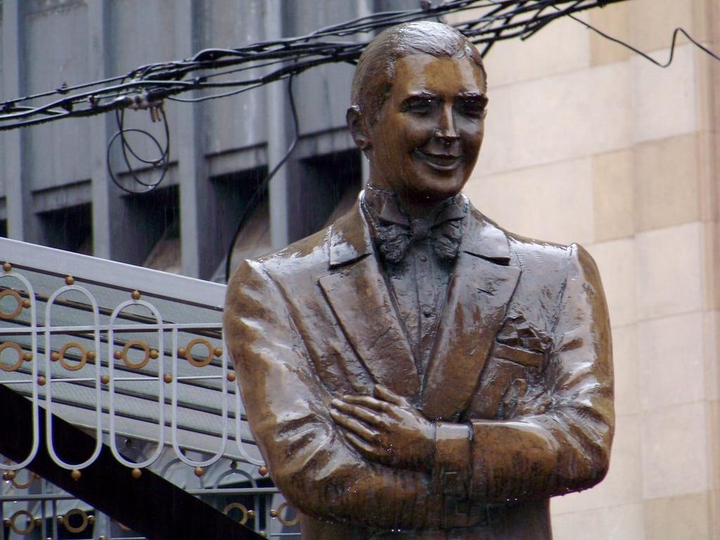 Image of Carlos Gardel. argentina statue buenosaires capital ciudad tango ba gardel carlosgardel abasto