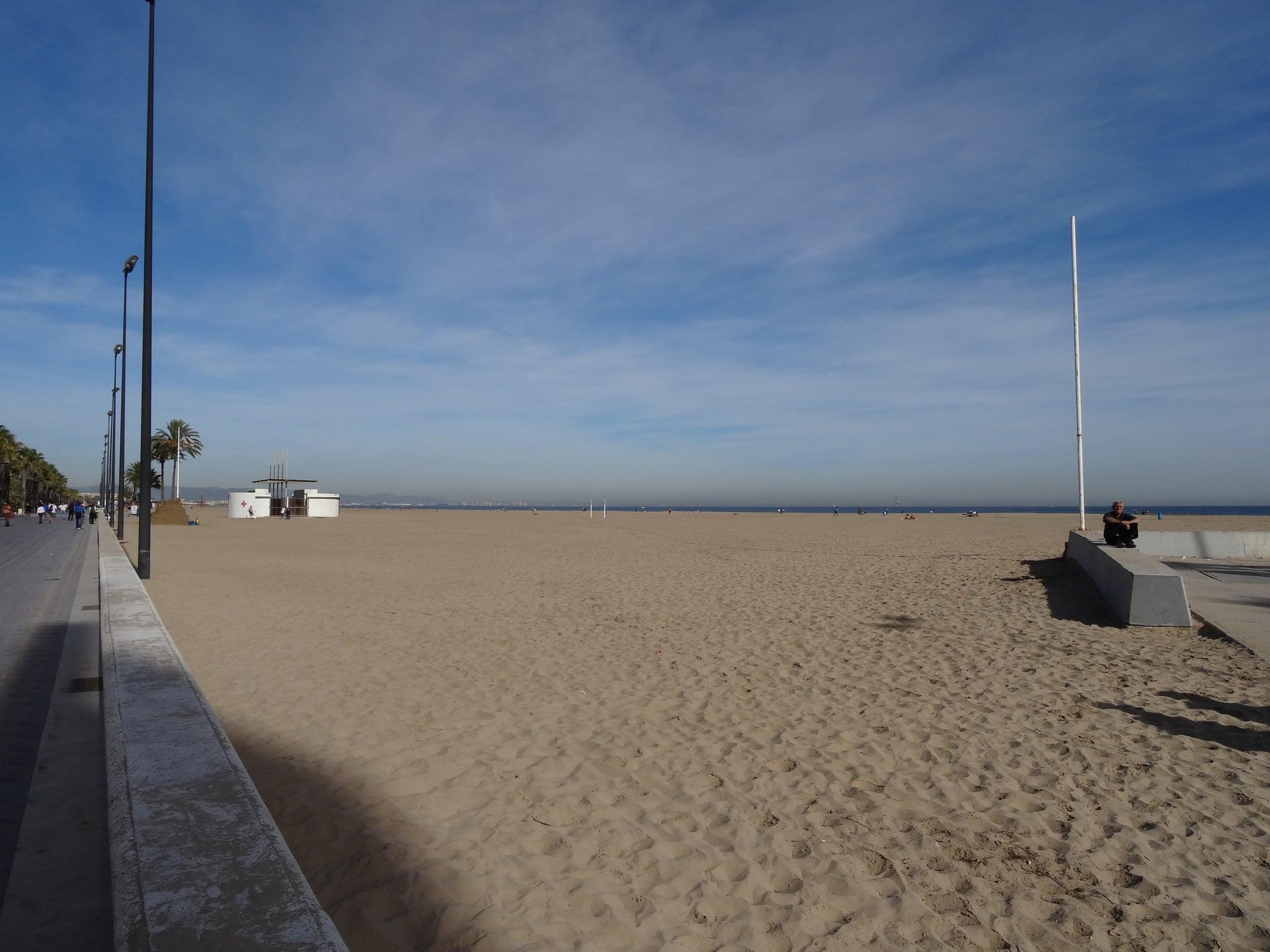 Attēls no Platja del Cabanyal - Les Arenes pie Valencia. 2015 herfst spain espana españa spanje valencia beach playa strand seaside sea zee autumn
