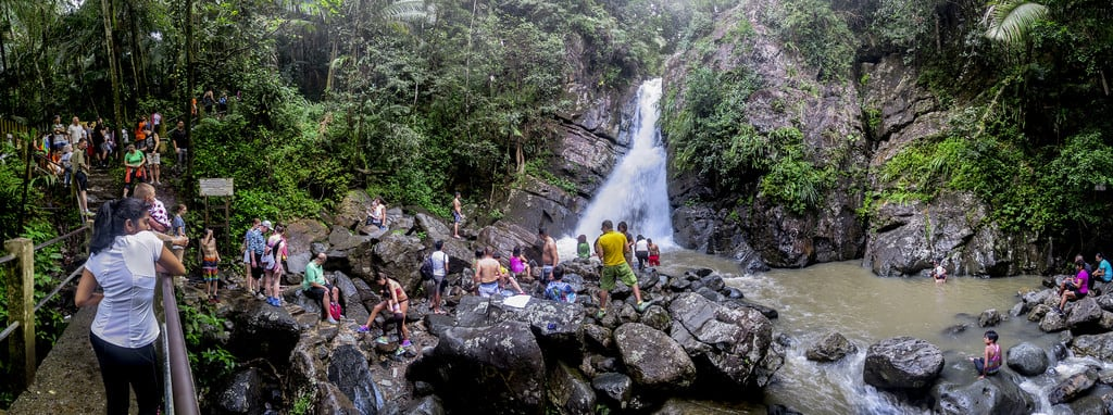Image de La Mina Waterfall. green tourism rio río creek forest swimming river waterfall flora rainforest stream puertorico tourists falls nationalforest mina bosque jungle tropical pr brook elyunque crowds catarata arroyo cascada quebrada tropicalforest laminafalls bosquetropical