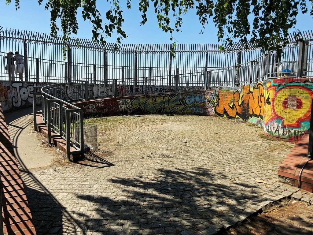 Bild von Flakturm Humboldthain. berlin volksparkhumboldthain gesundbrunnen flakturm flaktower