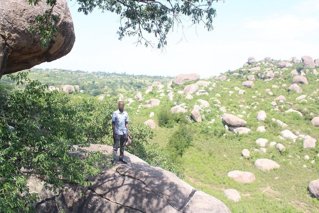 Εικόνα από Kit Mikayi. africa kenya kisumu rock climbing kitmikayi kit mikayi seme