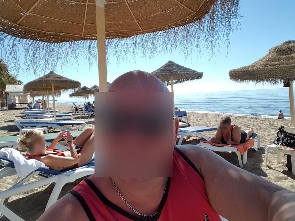 Imagine de Playa de la Fontanilla lângă Marbella. ship clubpaf sun fun casino games people trips food ocean sand beach