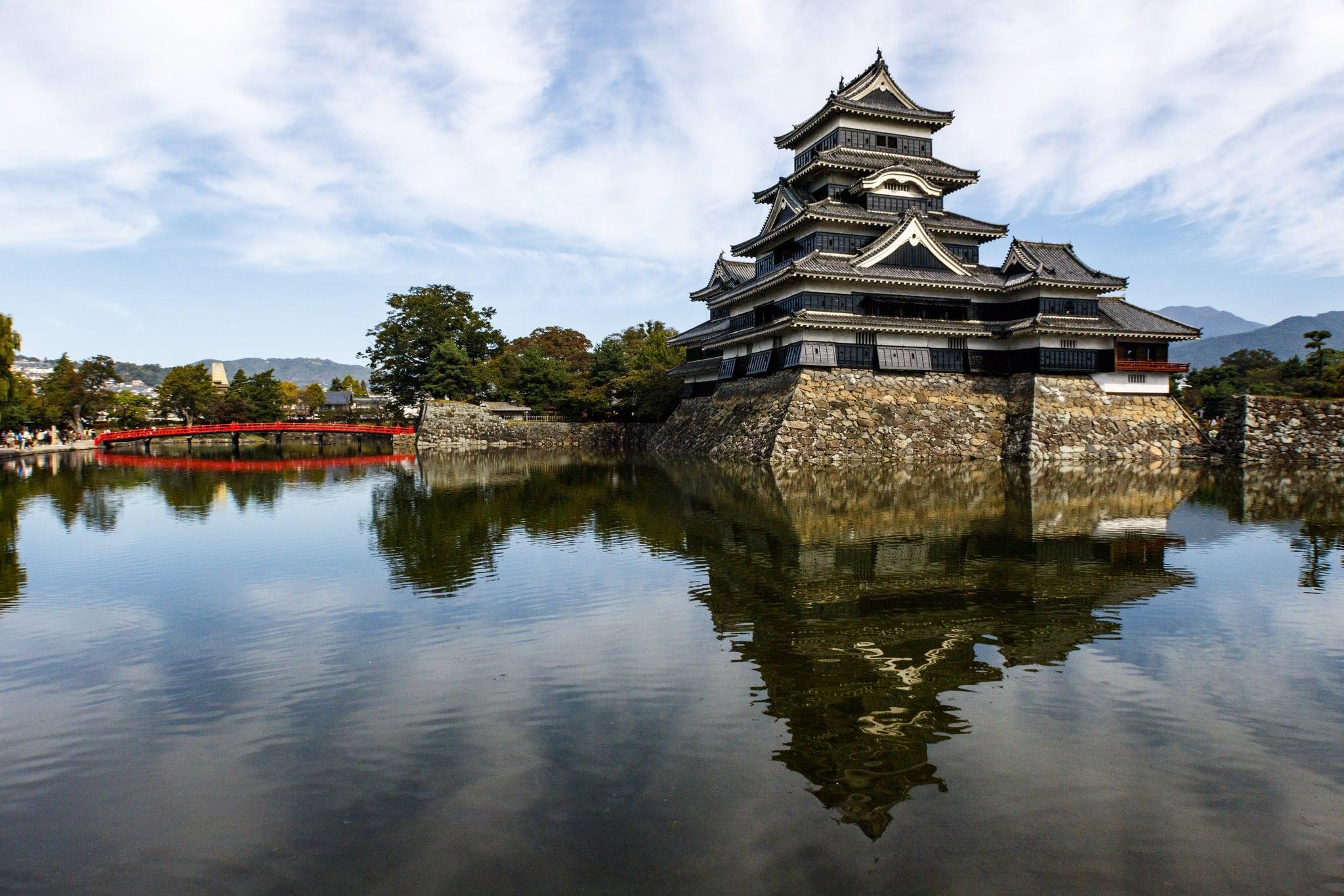 Matsumoto Castle 的形象. japan 2016 titan travel essence october 17 titantravel essenceofjapan canon 7d 7dii markii mark ii 2 sigma autumn