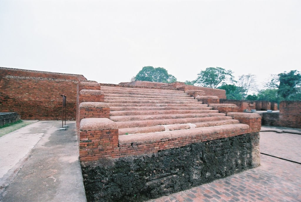 Hình ảnh của Nalanda University ruins gần Silao. travel india geotagged buddhism bihar インド nalanda 仏教 佛教 geo:lat=2513535301887042 geo:lon=854427820444107