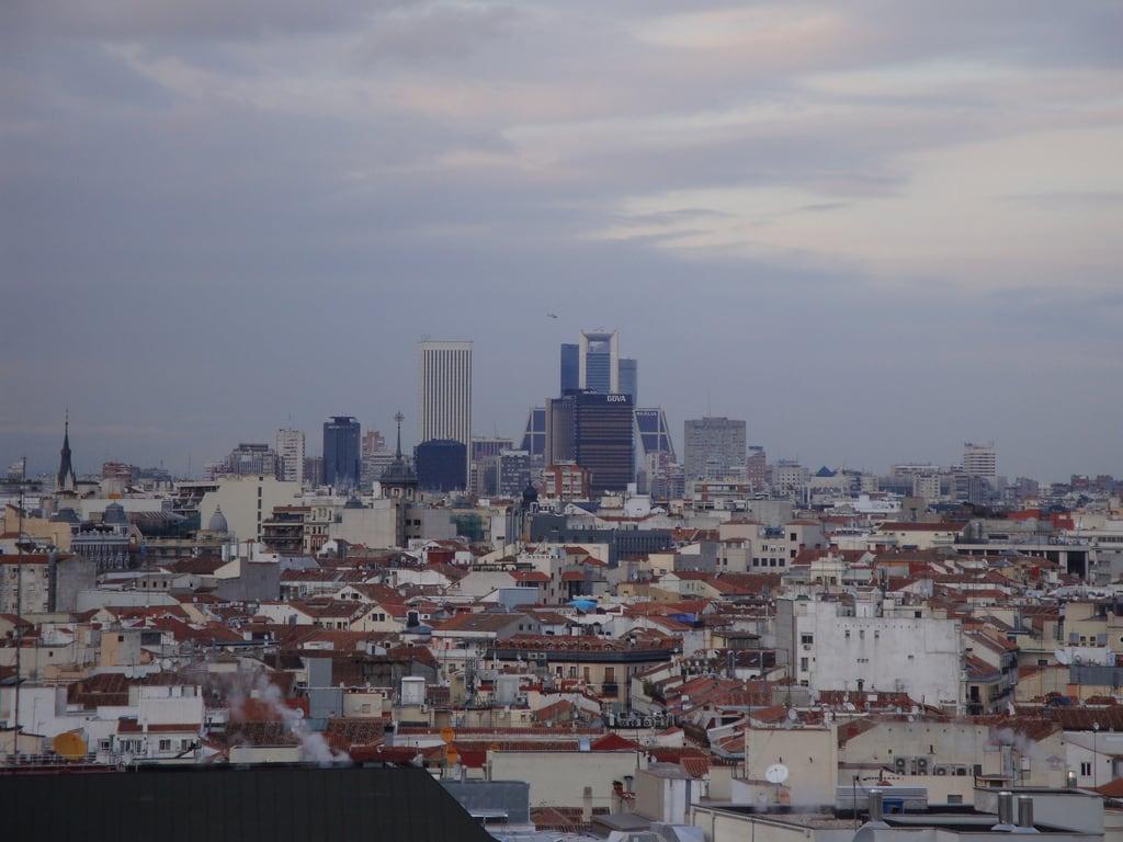 Círculo de Bellas Artes 在 City Center 附近 的形象. madrid españa skyline spain espagne espagna