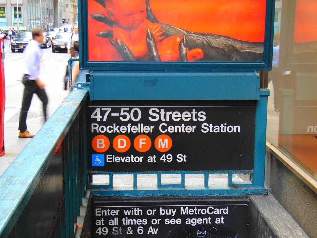 Attēls no Rockefeller Center. subway new york city station mta 47 street 50 rockefeller center
