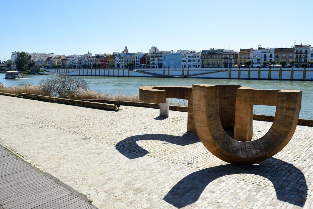Изображение на Monumento a la Tolerancia. monumentoalatolerancia guadalquivir sevilla seville spain españa