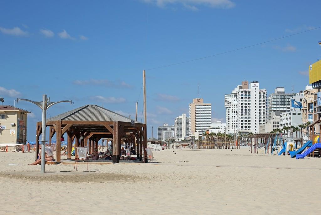 תמונה של חוף גאולה. telaviv israel isr beach