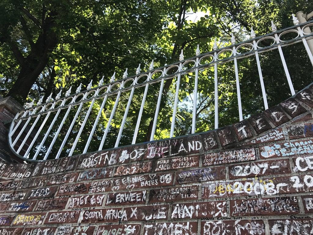 Bilde av Graceland. memphis tennessee elvis graceland gate