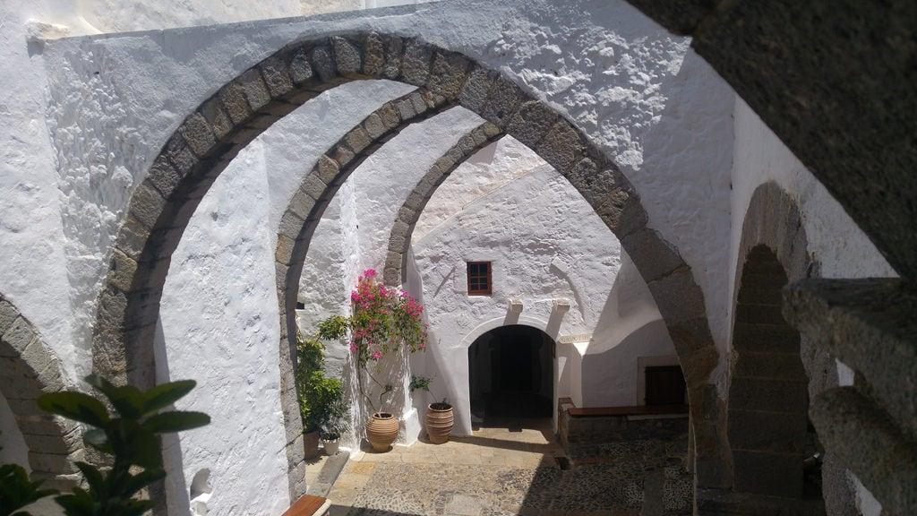 Obrázek Patmos. patmos πάτμοσ grecia greece μονή αγίου ιωάννου θεολόγου arco arch