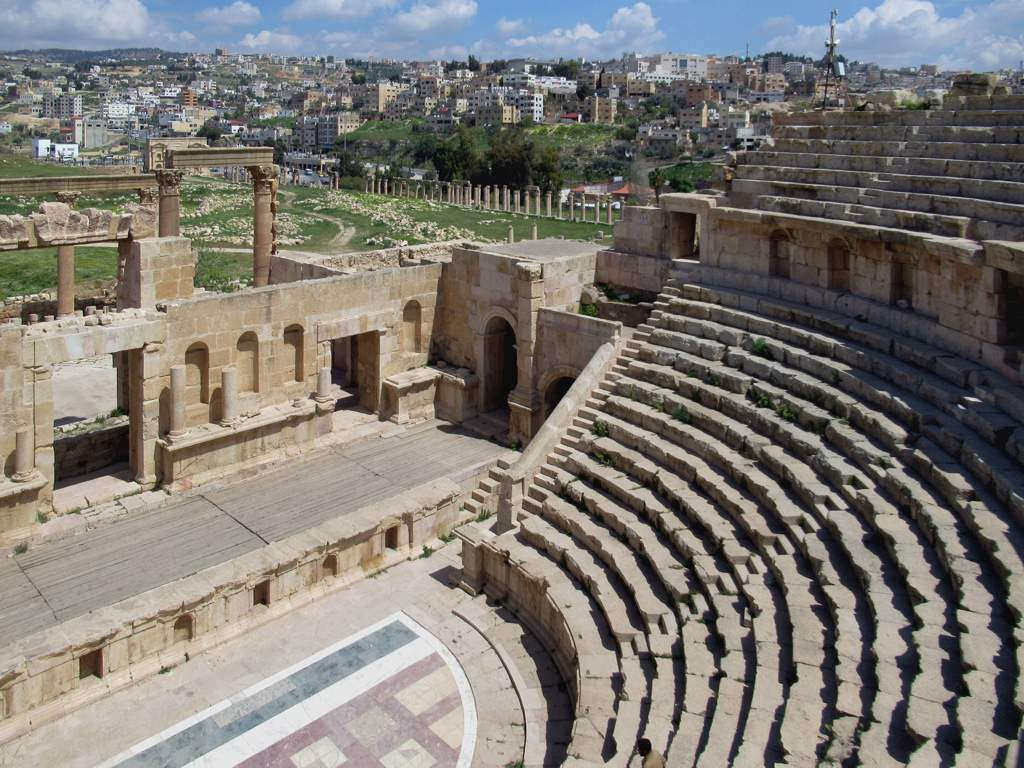 Roman Site की छवि. jerash jordan north theater archaeological