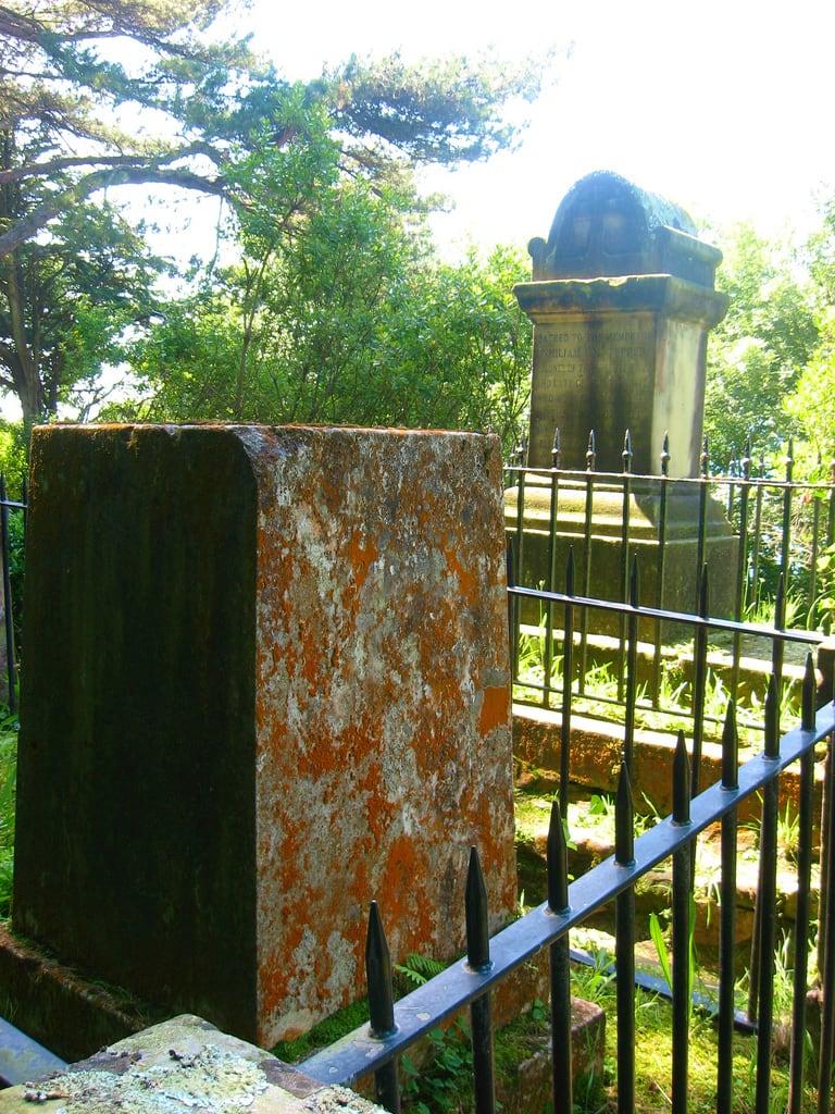 Immagine di Cementerio de los Ingleses. geotagged sansebastian donostia urgull 31deagosto cementeriodelosingleses peninsularwar geo:lat=43325874 geo:lon=1988277