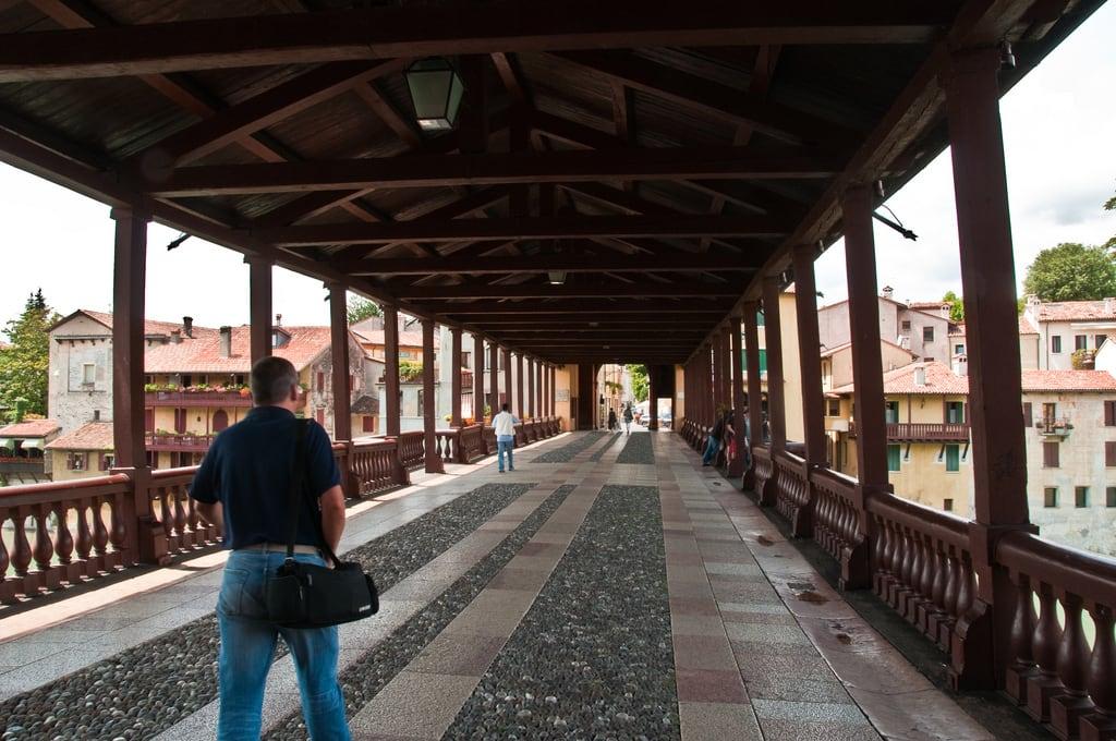 Ponte degli Alpini képe. bridge italy river covered friday pontevecchio palladio veneto bassanodelgrappa pontedeglialpini riverbrenta