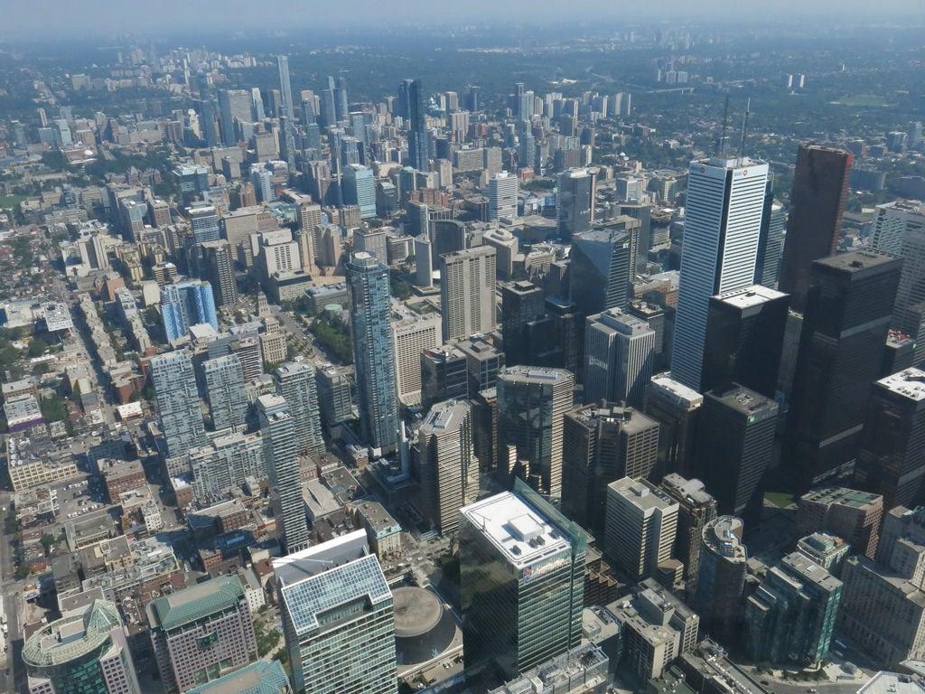 CN Tower の画像. toronto canada ontario cntower tower cn skyscrapers downtowntoronto towerview view vista