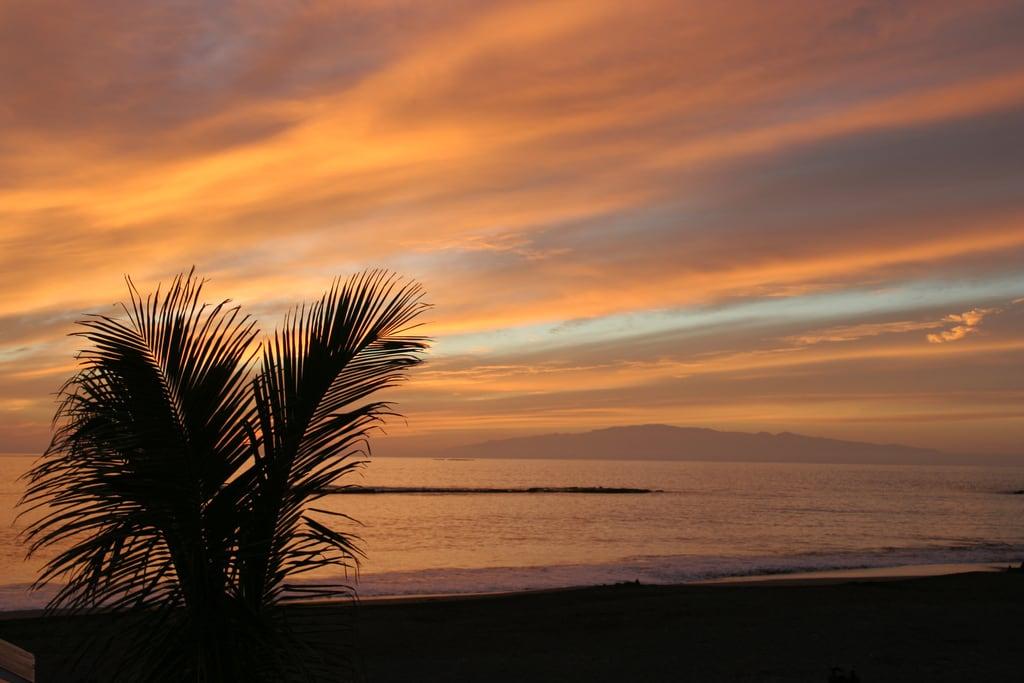 Image de Playa de Fañabe près de Playa de las Américas. tenerife sunset fanabebeach beach canaryislands ortegal lagomera evening hisgett ubuntu canary islands spain