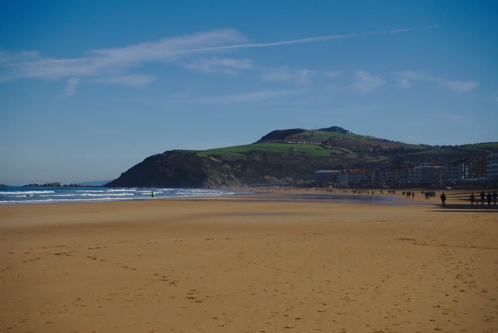 Изображение Zarautzeko hondartza. basquecountry spain zarautz beach sea atlantic ocean bayofbiscay