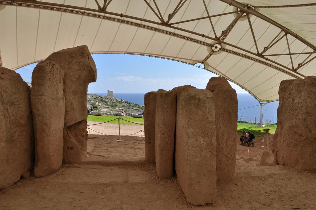 Immagine di Mnajdra temples. malta mnajdra temple archeology megalithic limestone worldheritagesite