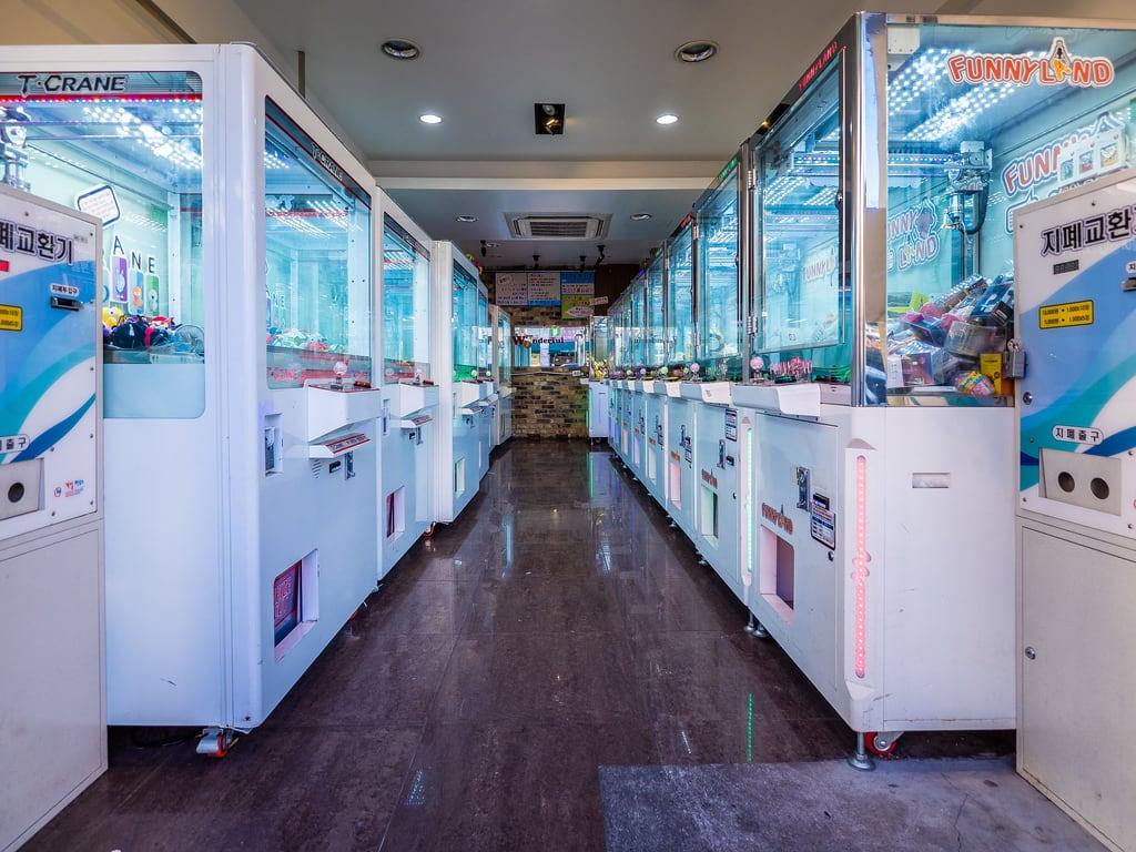 Εικόνα από Itaewon. asia korea seoul southkorea abroad amusementarcade fareast grabber holiday holiday2018asia indoors machine vacation