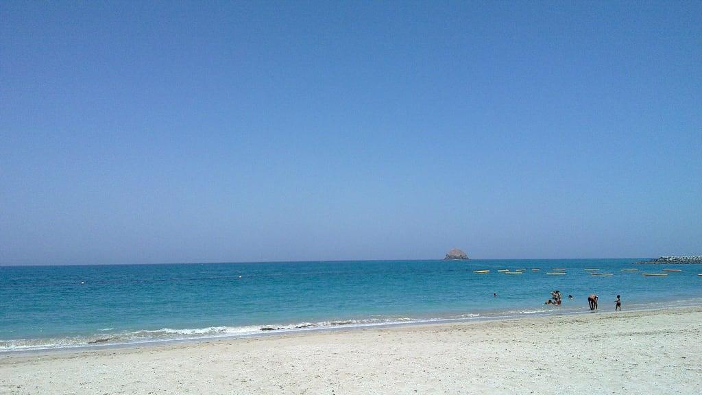"""תמונה של חוף באורך של מטר 4216. unitedarabemirates الفجيرة ø§ù""""ùø¬ùšø±ø©"""