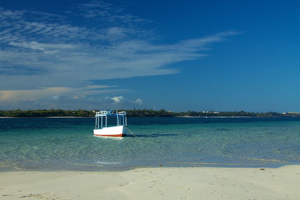 Изображение Jamboree Public Beach. beach geotagged island boat sand kenya mombasa