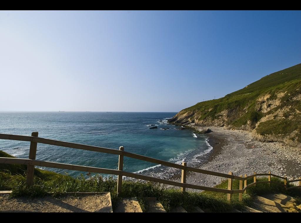 Playa del Lastrón の画像. españa mar spain nikon playa euskadi escaleras bizcaia zierbena d80 emubla