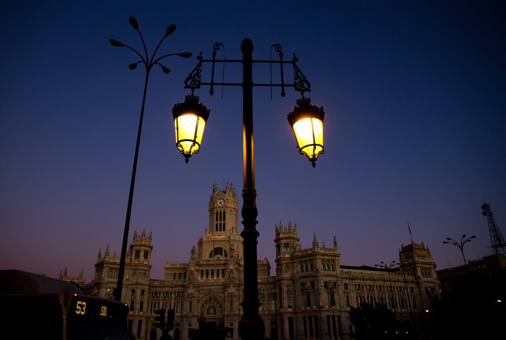Palace of Communication 在 Comunidad de Madrid 附近 的形象. madrid darkness nighttime