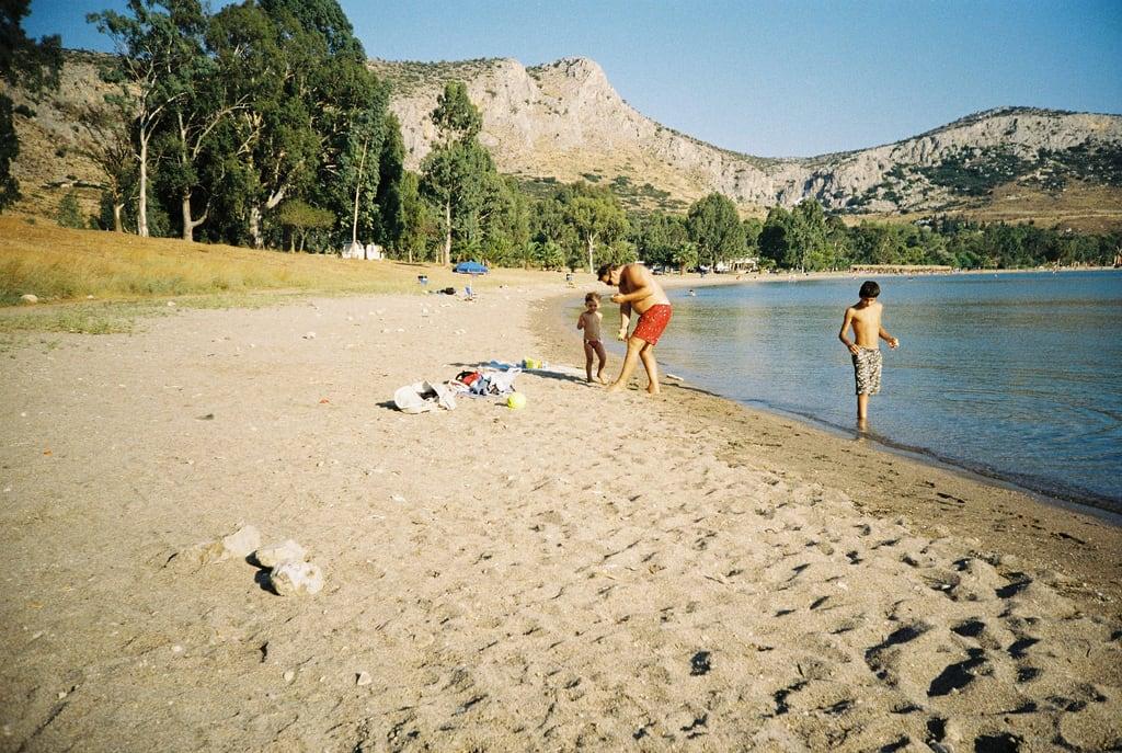 תמונה של Καραθώνα. beach lomo greece nafplion