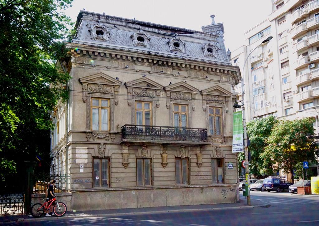 Image of Casa Cesianu. building historic bucharest wikilovesmonuments lmibiimb19870