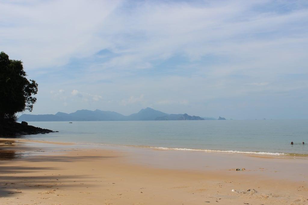 Pantai Pasir Hitam (Black Sand Beach) Black Sand Beach képe.