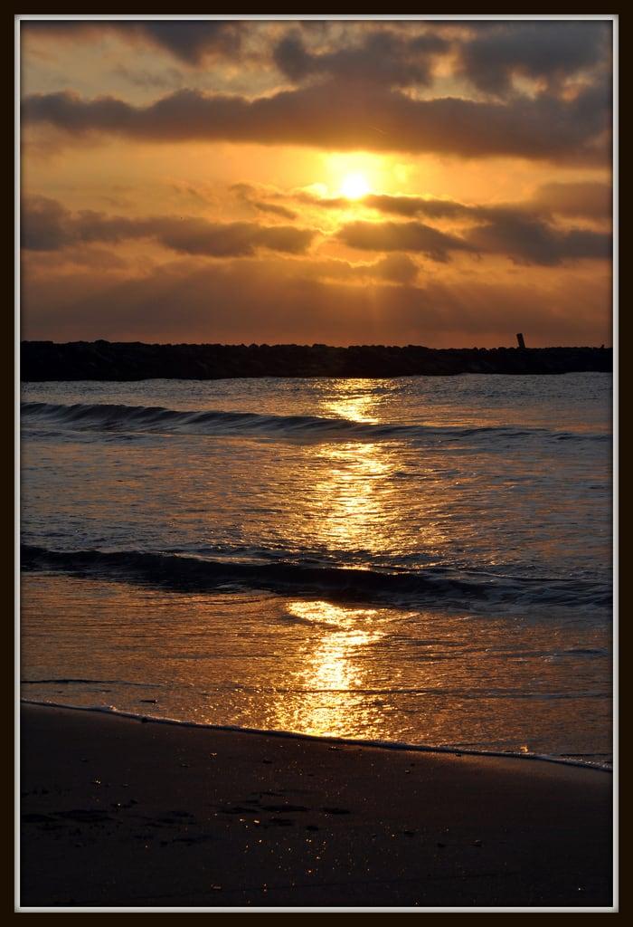 Image of Platja de Vistavella. españa sol playa amanecer comunidadvalenciana lapobladefarnals