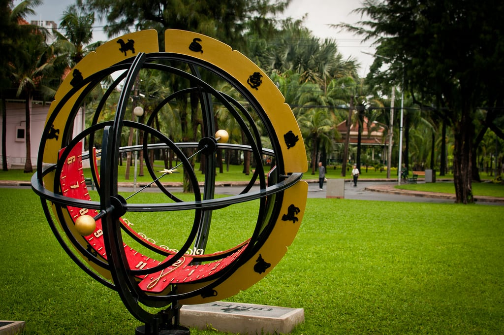 Image of Sundial. park clock thailand time bangkok watch sundial lumpini สวนลุมพินี