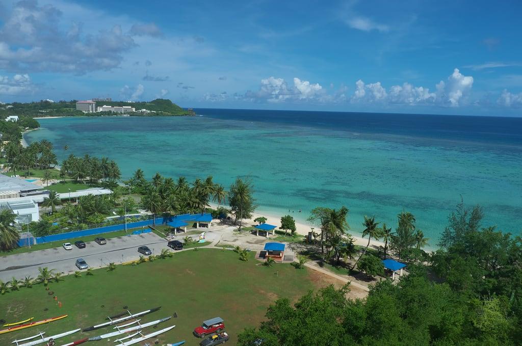 Gongna Beach közelében Dededo Municipality képe.