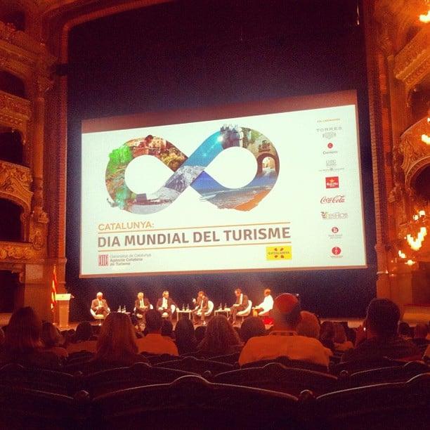 Εικόνα από Gran Teatre del Liceu. uploaded:by=flicksquare foursquare:venue=4adcda57f964a5209a4321e3 geo:lat=41380778233631005 geo:lon=2173513096405799