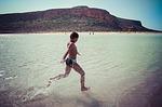 Zdjęcie:   Grecja  Kreta  Elounda  (dziecko, zabawa, radość)